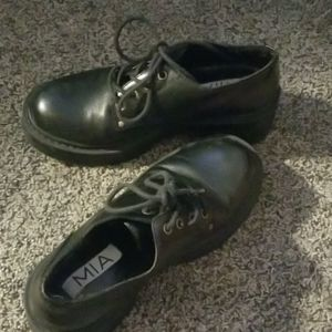 VGC Women's Black Semi Dress Shoe